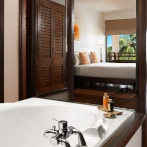 jetwing beach deluxe room-min