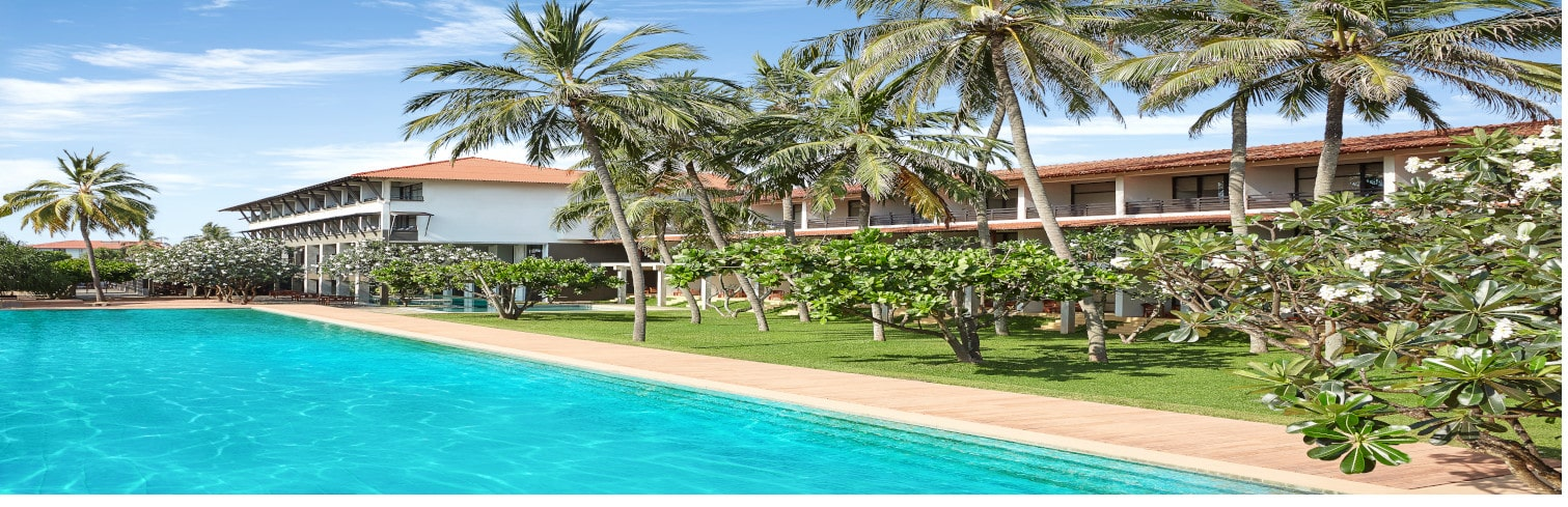 jetwing beach pool-min