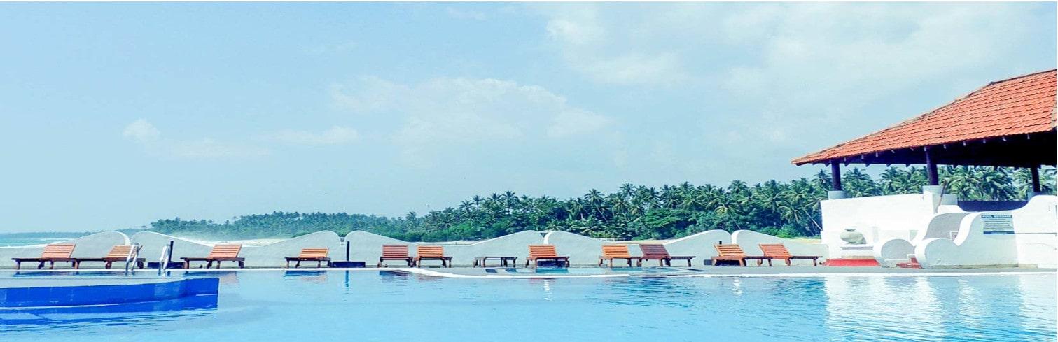 Pool hotel-min