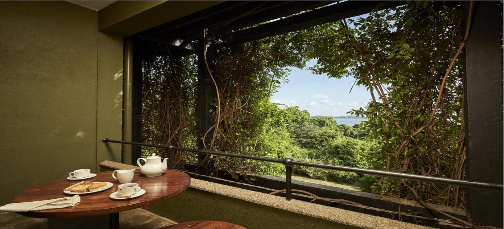 Heritance Kandalama luxury room-min