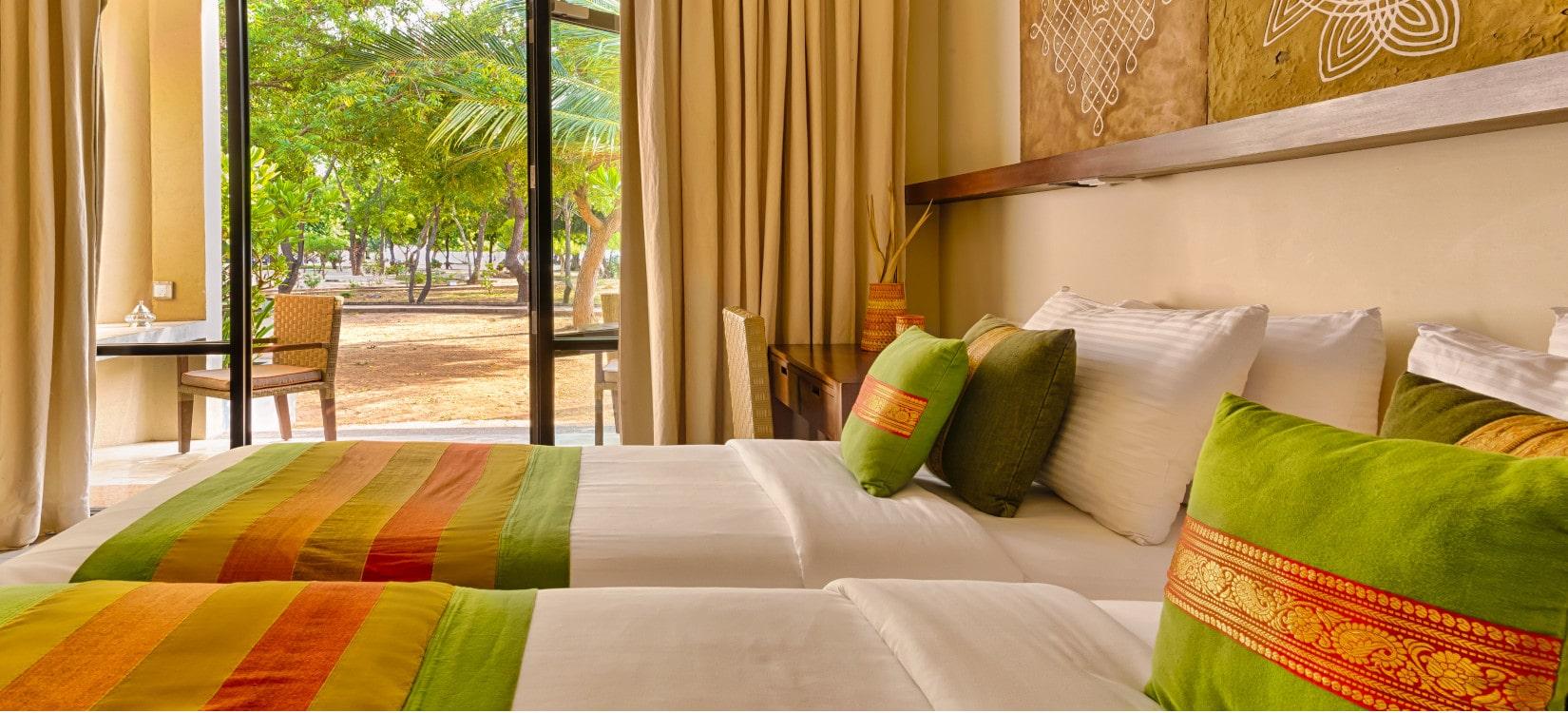Sunrise Resort deluxe room-min