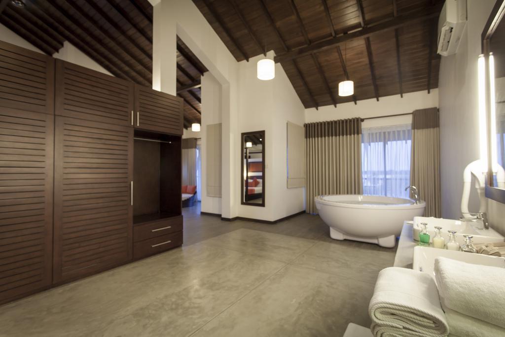 The Calm Resort & Spa whirlpool