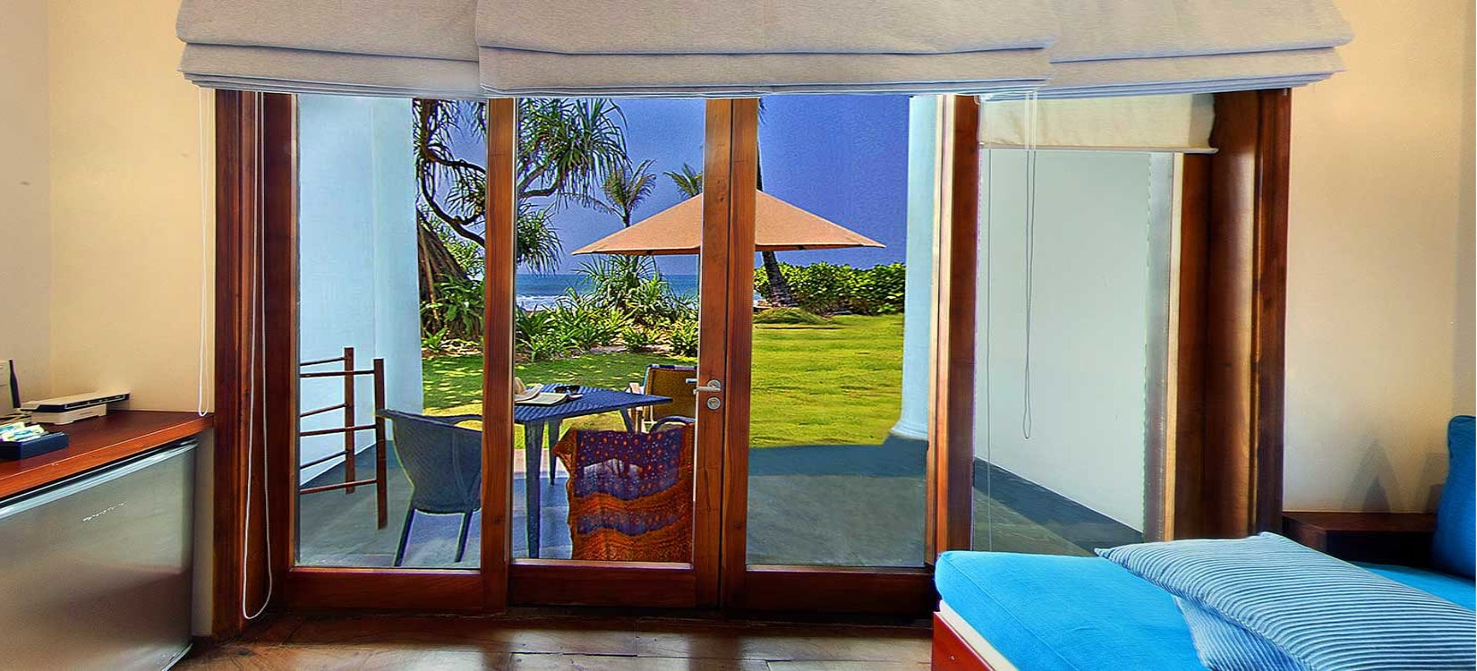 beach room view-min