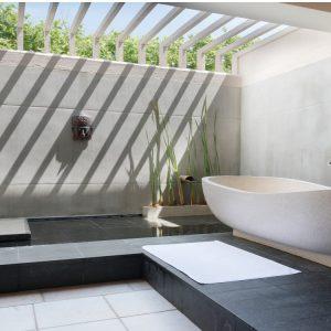 deluxe bathroom saman villa-min