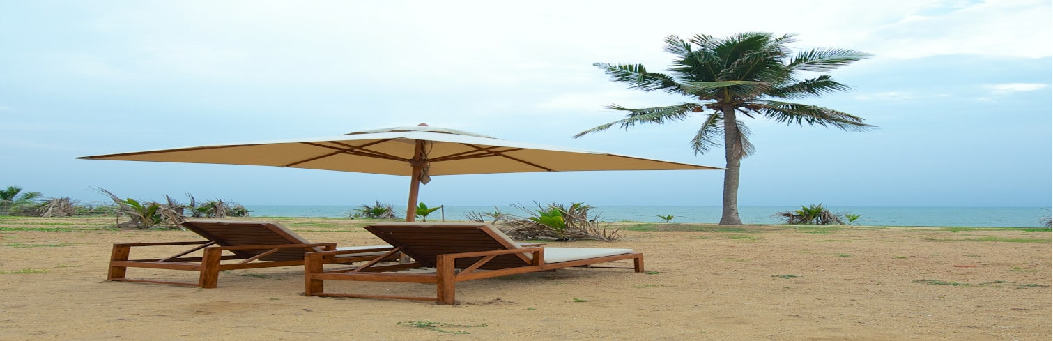 srilanka villa with beach-min